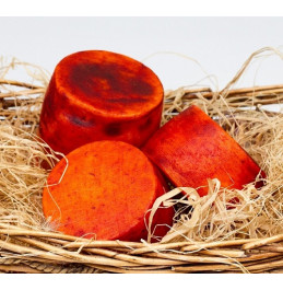 Paprika-coated goat's milk cheese - 300gr